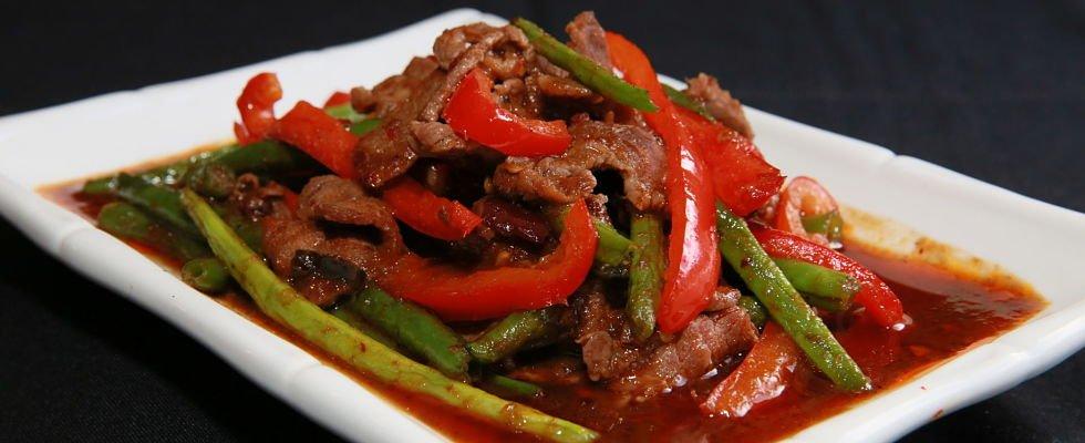 pad prik khing with beef